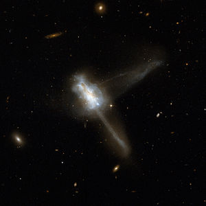 300px Hubble Interacting Galaxy IC 883 2008 04 24