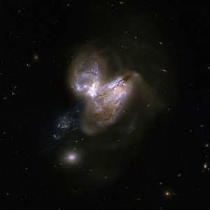 300px Hubble Interacting Galaxy NGC 3690 2008 04 24