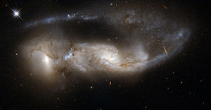 300px Hubble Interacting Galaxy NGC 6621 2008 04 24