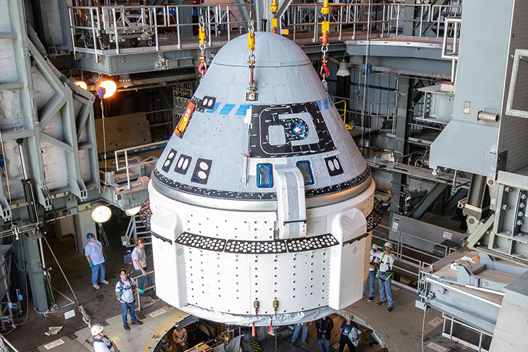 CST 100 Starliner integration with Atlas V